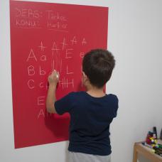 Sihirli Kağıt Renkli Kalın Yazı Tahtası Kırmızı Pratik Statik Tutunma Özellikli Yapıştırma Gerektirmez Tebeşirli 100x70cm